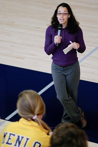 Jessie Thomas Brugos talks with Menlo School students about their PACT projects. Photo by Pete Zivkov.
