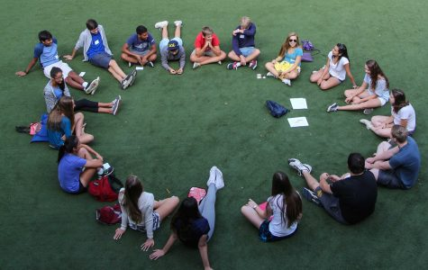 Freshmen and seniors work together during orientation at Menlo School. Photo by Pete Zivkov.
