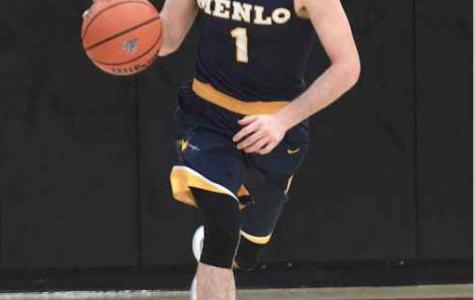 Boys basketball defeats Eastside despite sluggish performance