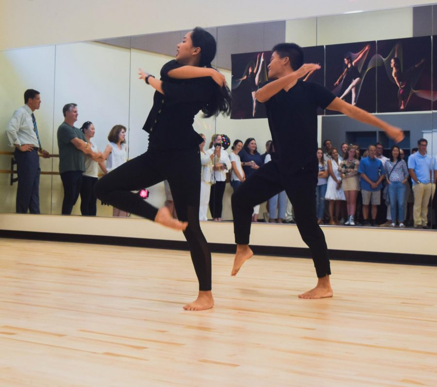Seniors+Victoria+Wat+and+Joshua+Lim+perform+a+duet+in+the+new+dance+room.+Staff+Photo%3A+Bella+Guel.+