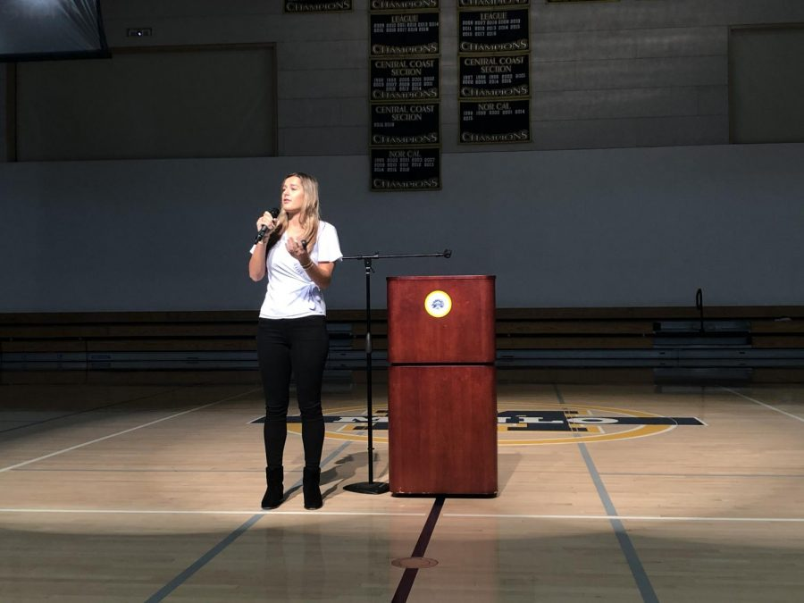 Sacred+Heart+graduate+and+former+USC+volleyball+player+Victoria+Garrick+talks+about+her+experiences+with+depression%2C+anxiety+and+a+binge+eating+disorder.+Staff+Photo%3A+Samantha+Stevens.+