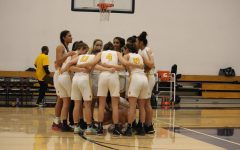 Girls Basketball Breaks Powerhouse Pinewood's Winning Streak