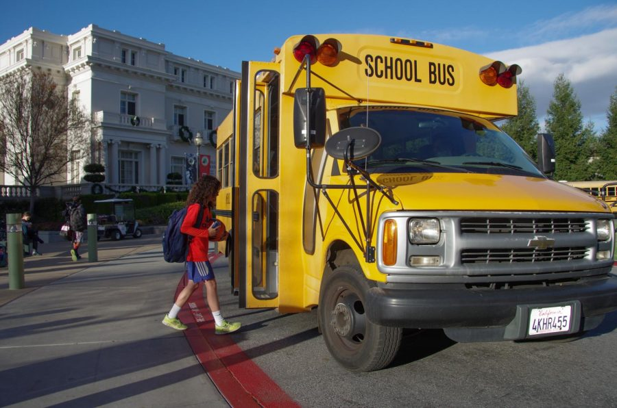 A+student+enters+the+Menlo+Shuttle+to+the+train+station+after+school.+Photo+courtesy+of+Pete+Zivkov.