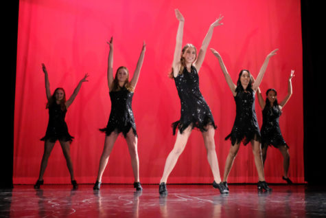 Menlo students perform on stage in the 2019 dance concert. Even though these dancers were part of the dance enrichment program for the entire school year, they never received any credit for their time. Photo courtesy of Pete Zivkov.